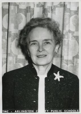 Arlington Public Schools headshot of Phoebe Knipling